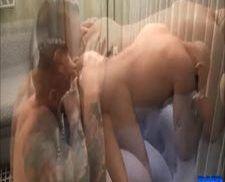 Careca gay com um cuzinho peludo sendo arrombado