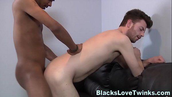 Video sexo gay interracial negro comendo branquinho
