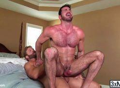 Sexo com homens musculosos e saradinhos